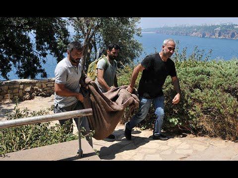 Falezlerde bulunan çantadan çıktı! Polisler zor taşıdı