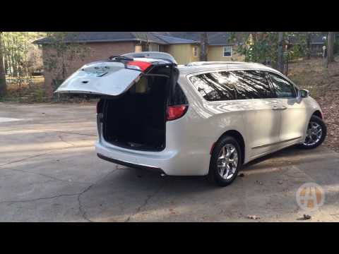 2017 Chrysler Pacifica: Stow 'n Vac