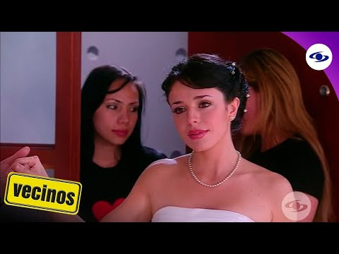 Vecinos: Óscar ve a Tatiana vestida de novia - Caracol TV