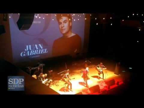 Reik rinde tributo a Juan Gabriel