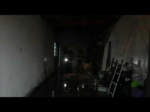 Incendio en una vivienda ubica en en Barrio Ceco I