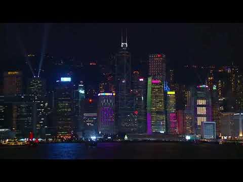 '건물 레이저쇼'로 더 황홀해지는 '홍콩의 밤'
