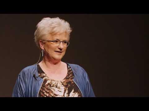 Does the world need female engineers? | Saskia van de Riet | TEDxTwenteU