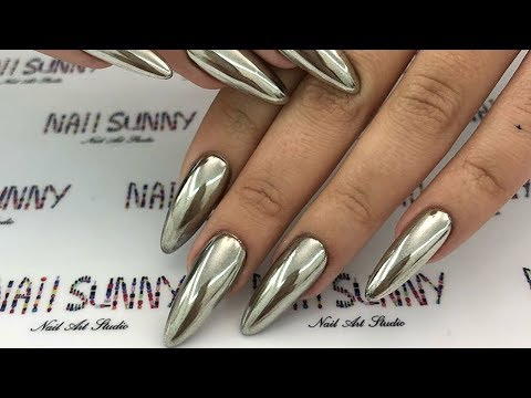 These high-shine nails glisten as you move them