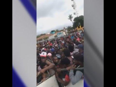 Miles de Haitianos y Africanos varados en la frontera de Panamá con Colombia