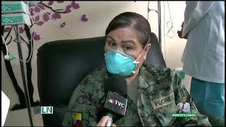 Jeanneth Morales fue la primera vacunada en Ecuador