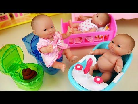 BAYI-BAYI   Baby Doll babysitter and refrigerator Kinder Joy toys 2df49ddc2f