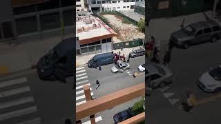 محتجون أمريكيون ينهبون طروداً من شاحنة تابعة لشركة أمازون