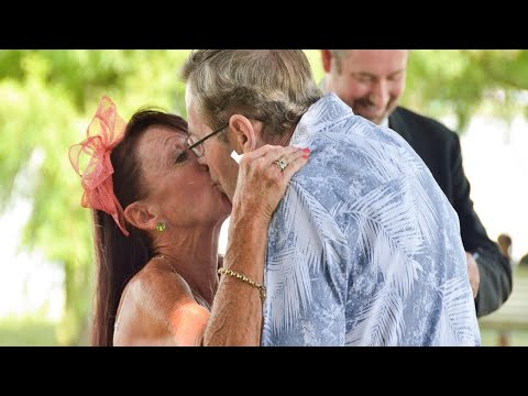 connectYoutube - Real-Life 'The Notebook' Couple Weds Again After Husband Forgets They're Married