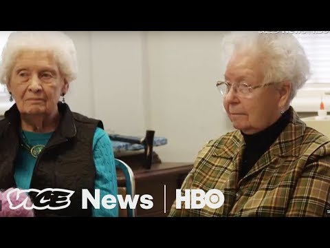 Alabama seniors say Roy Moore's alleged actions were normal back then (HBO)