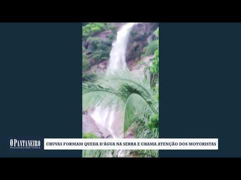 Chuvas formam queda d'água na Serra e chama atenção dos motoristas