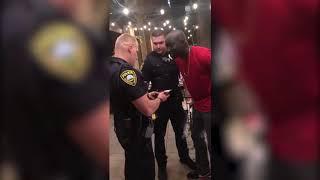 La policía de Estados Unidos detiene a afroamericano, sin saber que era agente encubierto del FBI