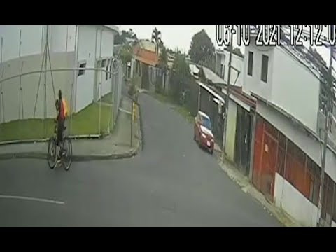 Brutal golpiza de mujer a joven ciclista en San Sebastián