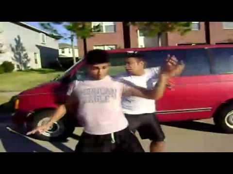 Tańczą do alarmu samochodowego