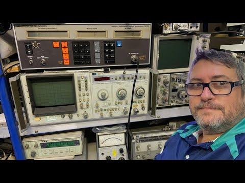 Ham Radio Shack Tour - with Peter Schrader VK4EA