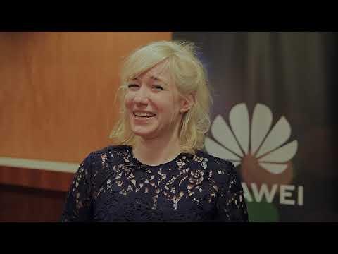 Linda Liukas inspiroi nuoria naisia Tyttöjen Talon, Gigantin ja Huawein tekoälyseminaarissa