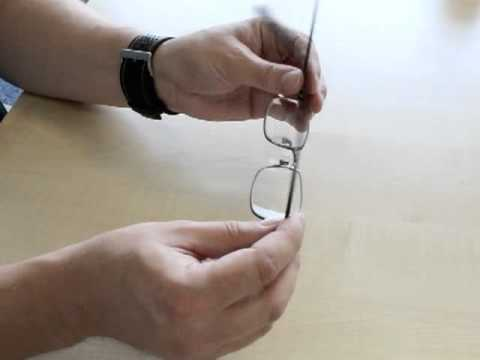 How to adjust the nosepads of your glasses