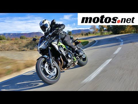 Kawasaki Z900 2020 | Presentación / Primera prueba / Test / Preview en español HD