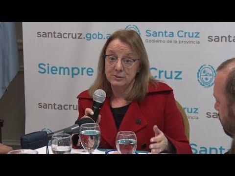 Alicia presentó proyecto que financia obras para todas las localidades de Santa Cruz