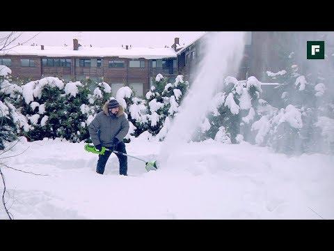 Как легко почистить снег? Обзор аккумуляторных снегоуборщиков и лопат // FORUMHOUSE