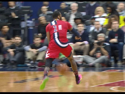 John Wall Flashy Passes to Porter: No-Look Flick, Between-the-Legs | 02.13.17