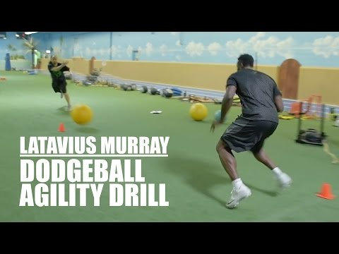 NFL Running Back Latavius Murray Performs the Dodgeball Agility Drill