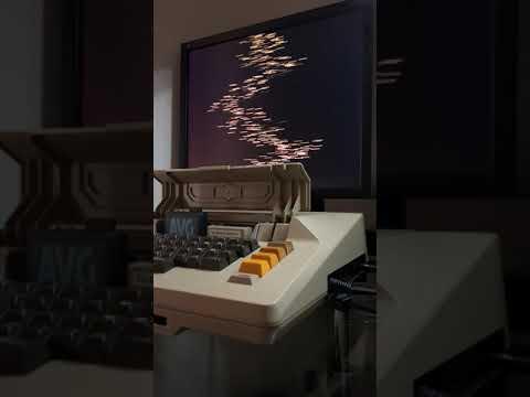 """Computadora Atari 800 reproduce """"Radio Ga Ga"""" de Queen"""