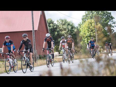 Andreas Odén från Sverige Springer antog utmaningen och ställde upp i cykelmotionsloppet Velofondo i västsvenska Vårgårda.  Velofondo är motionsloppet för ALLA som gillar att cykla, oavsett tidigare erfarenhet. Här samsas både elit och motionärer. Loppet går längs landsvägar i Västergötlands vackra miljöer. Det är en riktig folkfest när hela Vårgårda fylls av glada cyklister och påhejande supporters.  Velofondo är en del av West Sweden Action Weeks. Här samlas loppen för dig som springer, paddlar, cyklar, simmar eller åker rullskidor. Det är en folkfest där alla får vara med, där hållbarhet står i första led och där du upplever idrott när den är som allra bäst!  Läs mer på:  https://www.vastsverige.com/westswedenactionweeks/?utm_source=youtube&utm_medium=videoinfo&utm_campaign=youtube  Utmana dig själv du också!