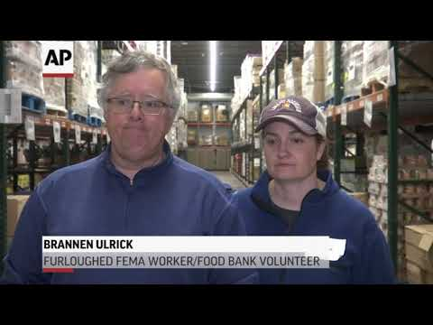 Colorado food bank helps strapped federal workers