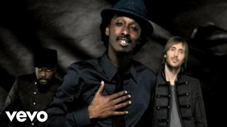 k'naan - Wavin' Flag  (feat Will.i.am & David Guetta)