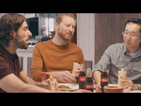 Sofraların kralı döner yanında, buz gibi bir Coca-Cola #TadınıÇıkar