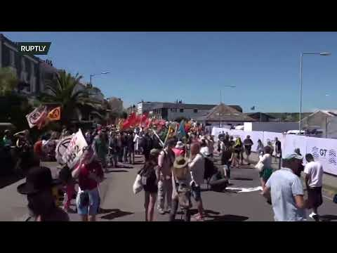 LIVE: XR climate protesters march in Cornwall