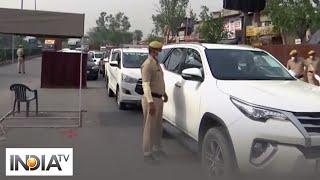 COVID-19: Vehicles line up at Delhi-Gurugram border after Haryana seals border again - INDIATV