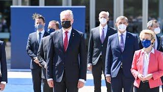 Bendra neformalioje Europos Vadovų Taryboje dalyvaujančių lyderių nuotrauka