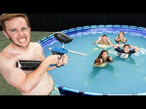 ปิดตายิงคนที่แอบในสระว่ายน้ำ!!