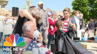 Protesters Give Haircuts In Front Of MI Capitol To Protest Barber, Salon Closures | NBC News NOW