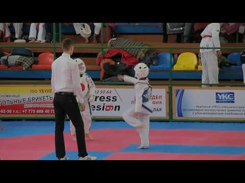Чернозубов Сергей 1 бой 1 раунд