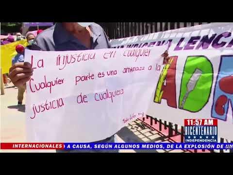 ¡Denunciando desalojo! Comunidad Indígena Lenca realiza plantón frente a la CSJ