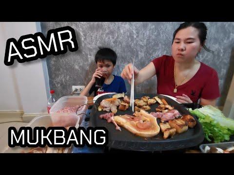 Korean-Foods-with-Thai-boy