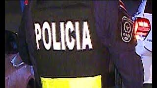 Policía destruye celular de un joven durante un control