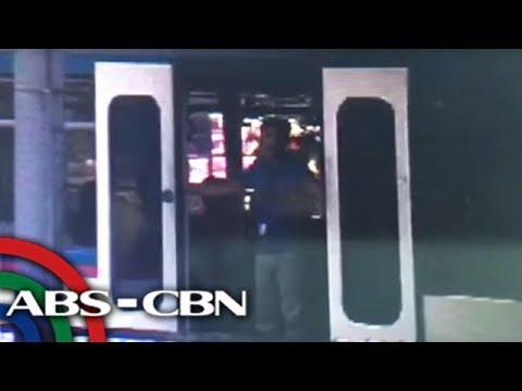 News Patrol: Pinto ng MRT, biglang bumukas habang nasa biyahe   March 9, 2019