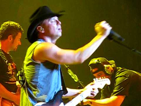 Kenny chesney tickets tour dates 2019 concerts songkick expand expand kenny chesney live m4hsunfo