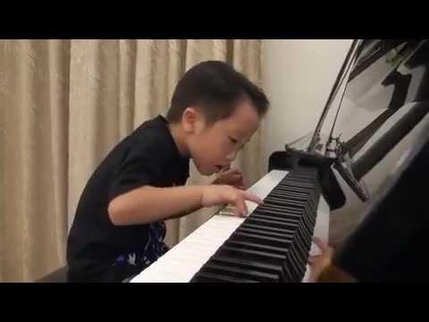 5yo Amazing Piano Prodigy