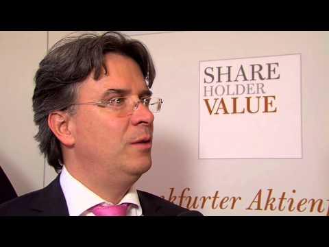 Stabil durch die Börsen-Turbulenzen: Das Geheimnis des Frankfurter Aktienfonds für Stiftungen