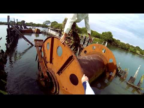 connectYoutube - Climbing over a wrecked cable laying boat
