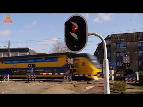 DUTCH RAILROAD CROSSING - Vught - Helvoirtseweg