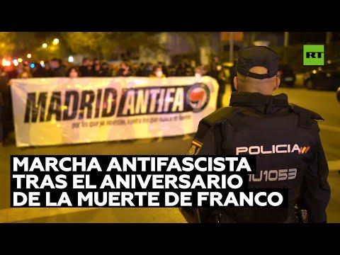 Antifascistas marchan en Madrid el día después del aniversario de la muerte de Franco