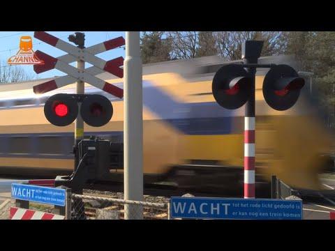 DUTCH RAILROAD CROSSING - Sterksel - Pastoor Thijssenlaan photo