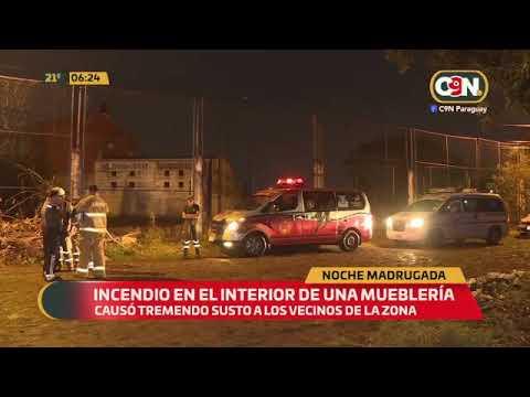 Incendio en el interior de una mueblería causó gran susto en Fdo. de la Mora
