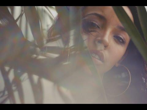 Tinashe - Wrong (Lyrics On Screen)